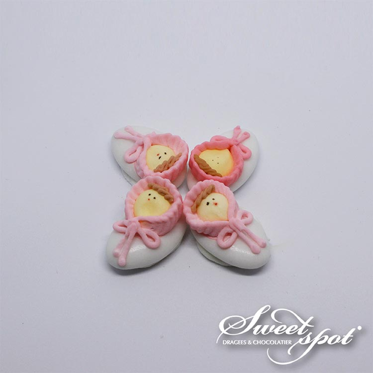Doll On Chocolate Dragée - Pink