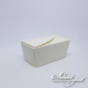 Small Scallop Edges Ivory Box